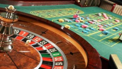 Photo of Who wins more often at casinos: girls or guys?